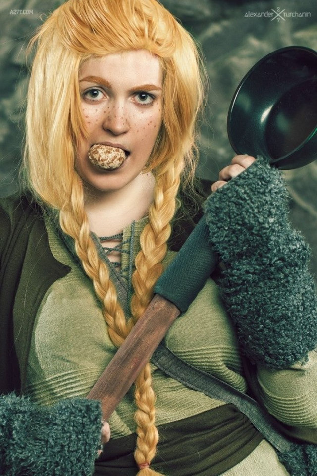 female-as-male-hobbit-cosplay-6