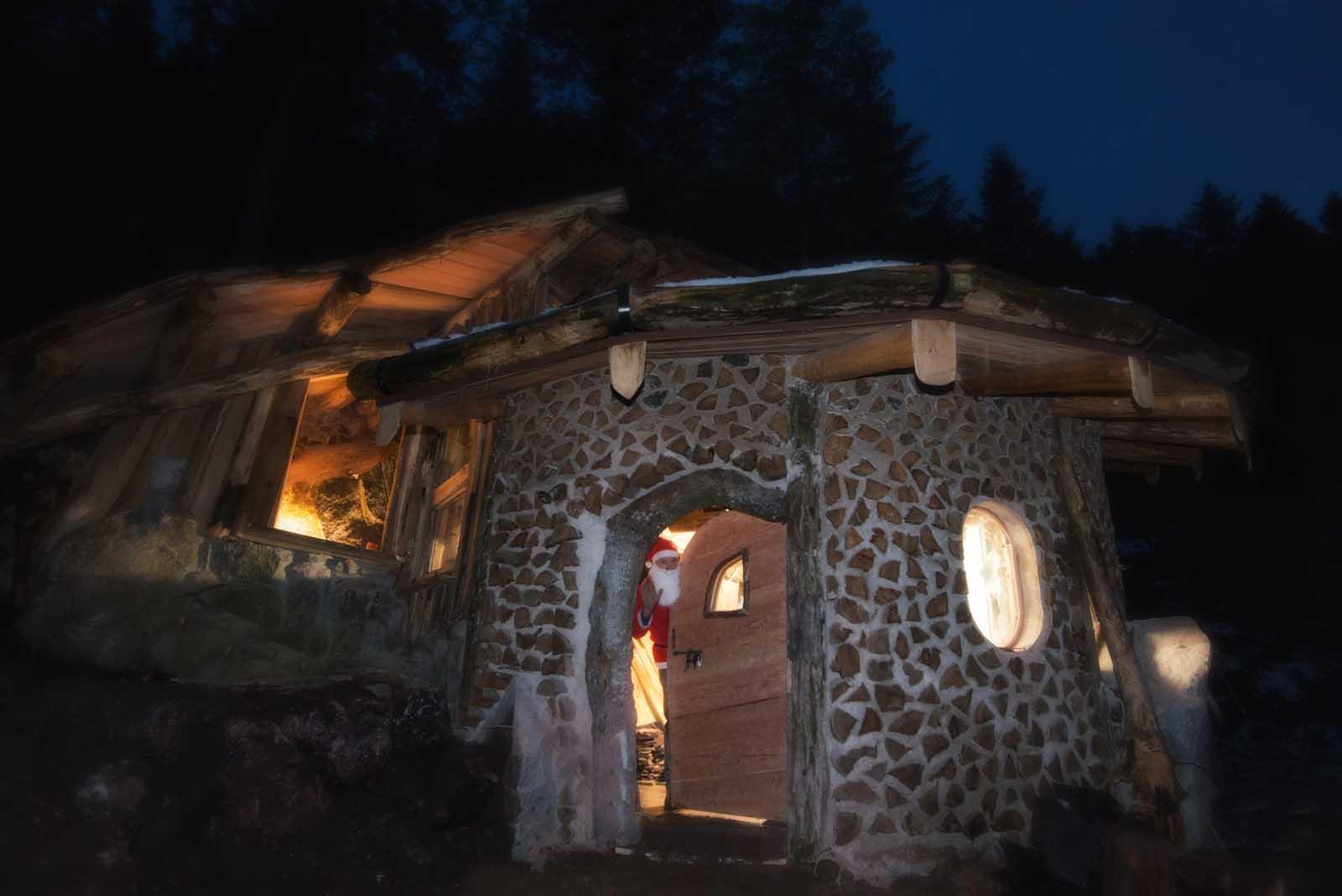 passez un s jour dans une maison de hobbit tolkiendrim. Black Bedroom Furniture Sets. Home Design Ideas
