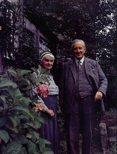 tolkien-and-edith-1966